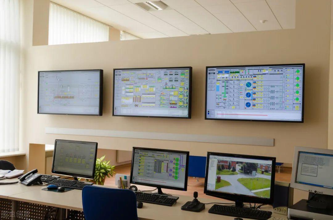 电厂定位系统控制室